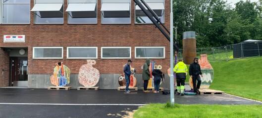 Årvoll IL mottok i går en rekke keramikkskulpturer av billedkunstneren Marthe Elise Stramrud
