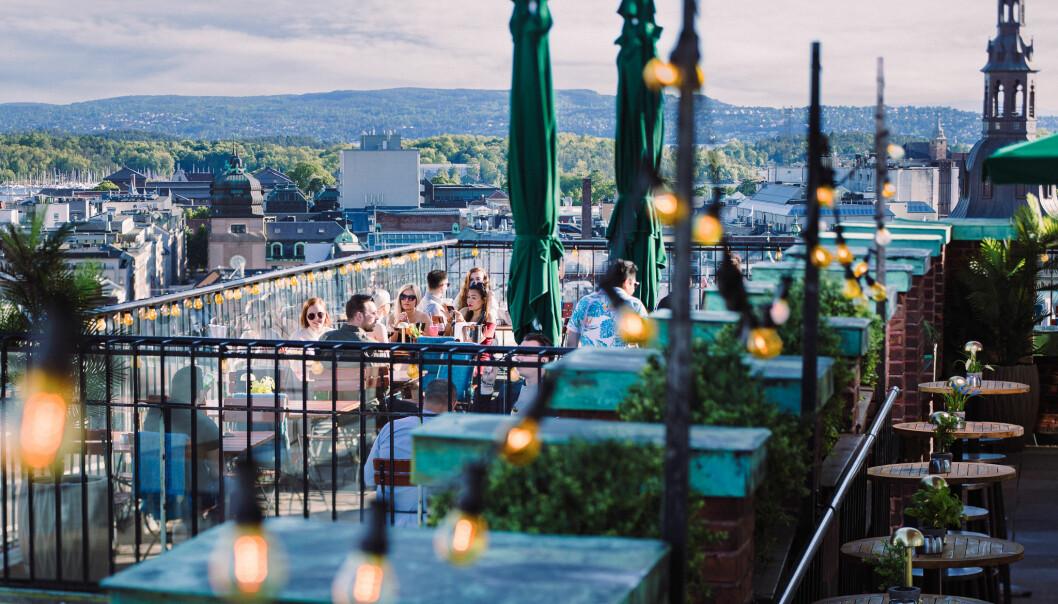 Fra Stratos, på toppen av Folketeaterbygningen, har du verdens beste utsikt over Oslo.