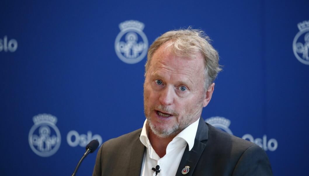 Byrådsleder Raymond Johansen orienterer om koronasituasjonen i Oslo og tiltak gjennom sommeren. Folk bør fortsette å jobbe hjemme, sa han på pressekonferansen i dag.