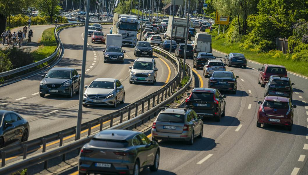 Nå har flertallet på Stortinget vedtatt av motorveien til vest for Oslo skal utvides.