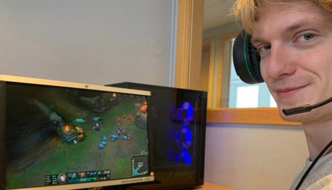 Dataspillet Minecraft har hjulpet Mathias gjennom videregående skole.