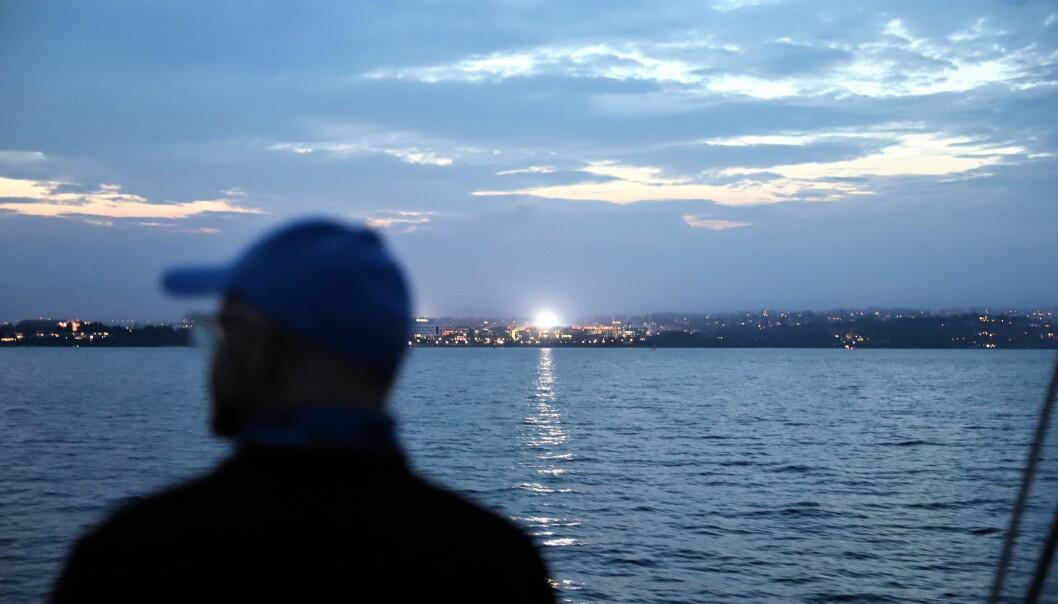 Politiet måtte i natt rykke ut flere steder for å plukke opp folk fra sjøen. (Illustrasjonsfoto)