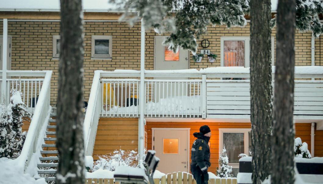 Mannen som er tiltalt for å ha drept sin nabo på Bjørndal i Oslo i fjor, erkjenner ikke straffskyld. 41-åringen hevder han var utilregnelig.