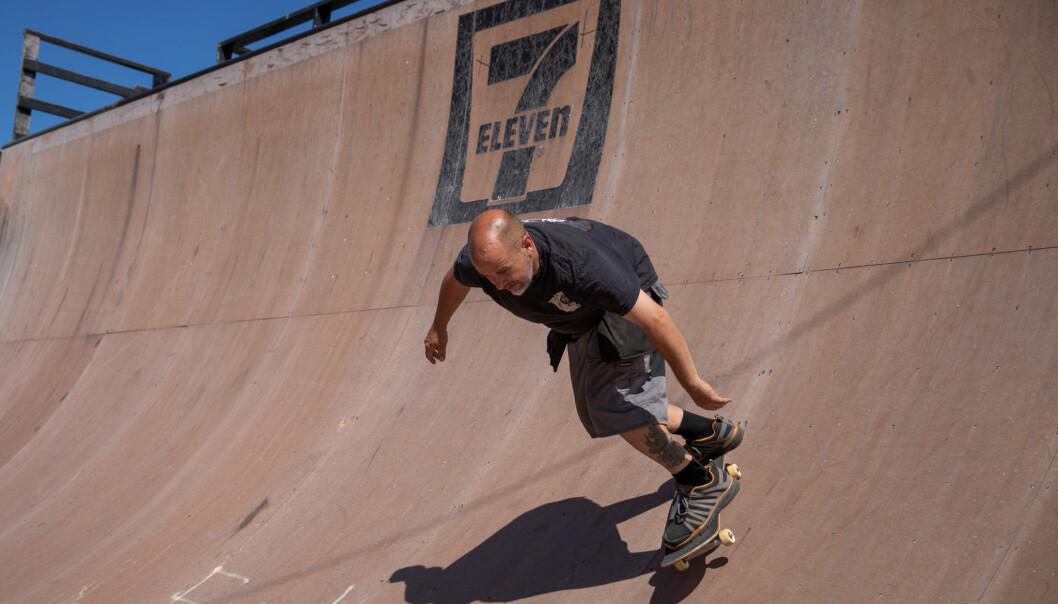 Skateboardlegenden Joakim Wang har ikke glemt gamle kunster.