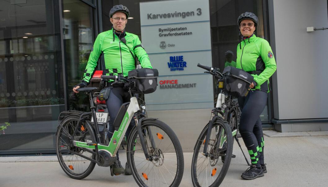 Bybetjentene Tore og Linda er klar for en ny dag på to hjul i Oslos gater.