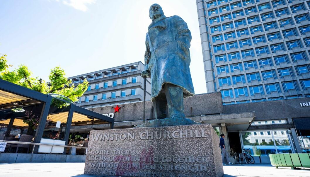 Teodor Bruu (MDG) vil rive statuen av Winston Churchill. Men det er flere statuer, steds- og gatenavn som hedrer rasister i Oslo, påpeker artikkelforfatterne.