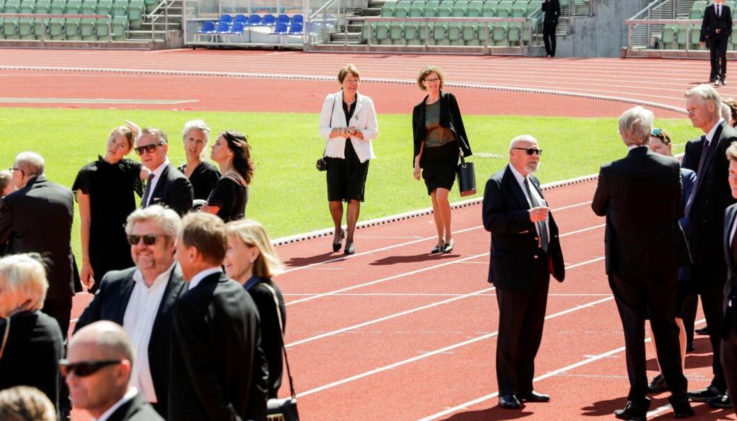 Friidrettsvenner, politikere og Svein Arne Hansens familie samlet seg til minnestund på Bislett.