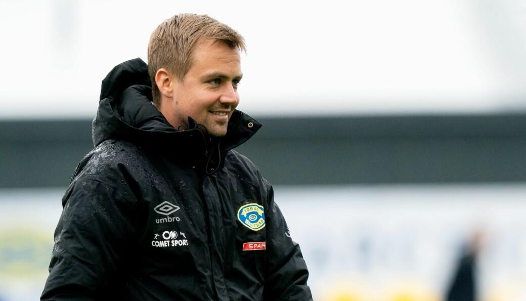 Grorudtrener Eirik Kjønø kunne smile ved pause. Hans 11 utvalgte rystet Ranheim og ledet 3-1 da kampen var halvspilt.