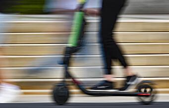 Elsparkesyklist kan få førerkortet beslaglagt etter å ha kjørt på rødt lys