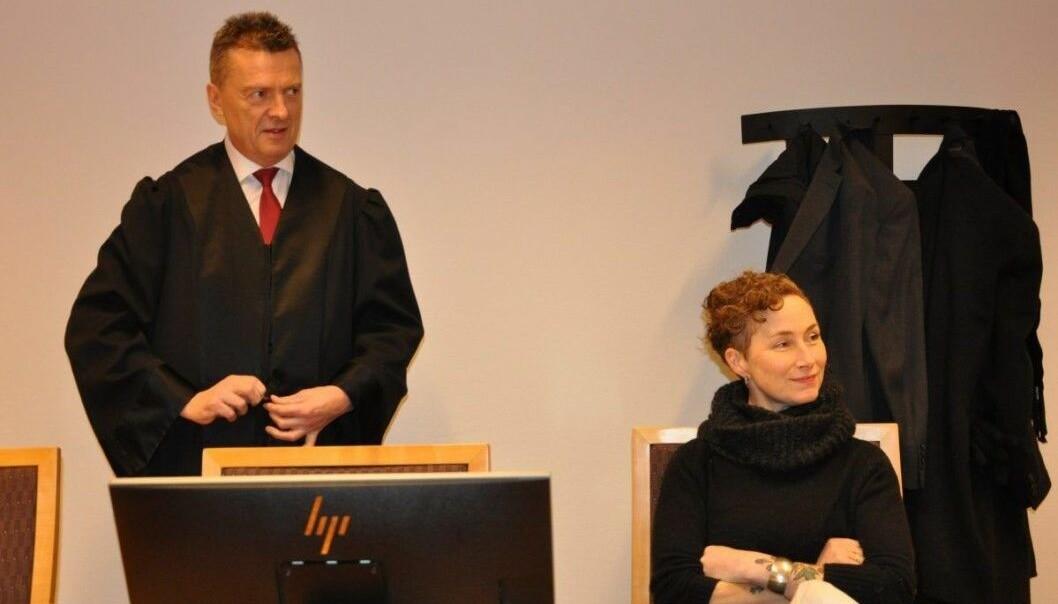 Advokat Brynjulf Risnes og Live Glesne Kjølstad må møte i Borgarting lagmannsrett i ankesak mot Louis Pizza.
