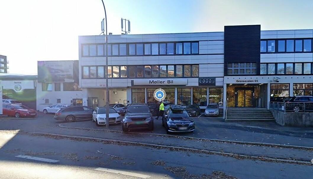 I dag selger Møller bil Skodaer i dette lokalet. I fremtiden blir det kanskje skole her.