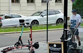 En raskt voksende Facebook-gruppe oppfordrer folk til å flytte elsparkesyklene fra fortauet og ut i veien