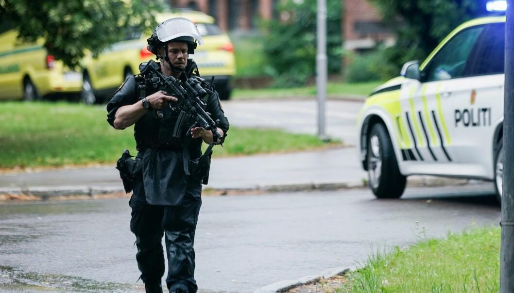 Tungt væpnet politi gikk til aksjon etter skyting i leiligheten mellom Carl Berner og Torshov.