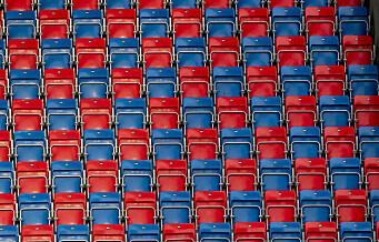 Overblikket: - Folk dør av korona mens norsk ishockey bare tenker på billettinntekter