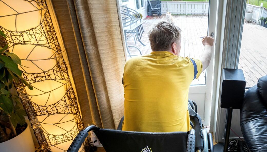 Funksjonshemmed Martin fikk redusert hjelp med 38 timer ukentlig da han flyttet mellom to bydeler i Oslo.