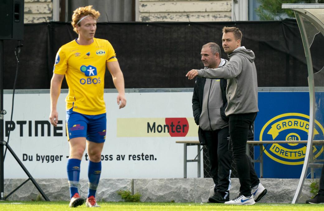 Grorudtrener Eirik Kjønø (til h.) måtte se et baklengsmål før hans gutter startet opphenting mot Ull/Kisa.