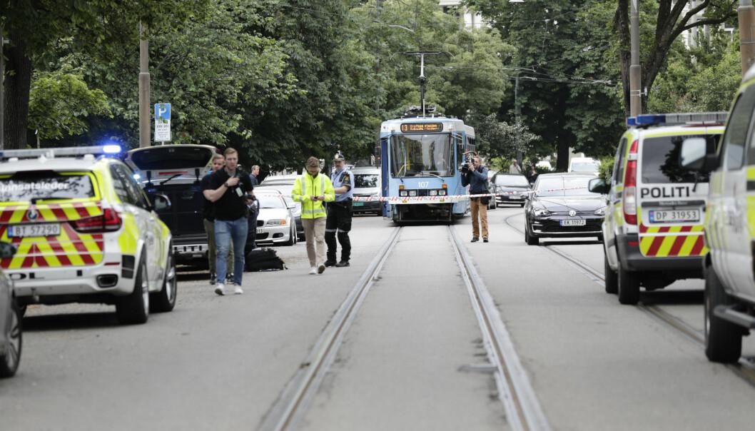 Flere patruljer var raskt på stedet etter at den 59 år gamle mannen hadde truet trikkeføreren med kniv.