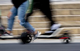 51 syklister og elsparkesyklister bøtelagt for å ha kjørt på rødt lys i Torggata