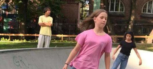 Skatefeberen fortsetter: Gratis skateskole i Lakkegata skatepark hele uka