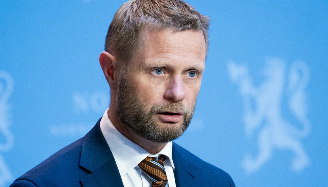 — De har selv sagt at de ikke var godt nok forberedt, sier helseminister Bent Høie (H) og Oslo kommune.