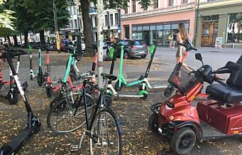 Nå kan Oslo kommune ta inntauingsgebyr for feilparkerte elsparkesykler