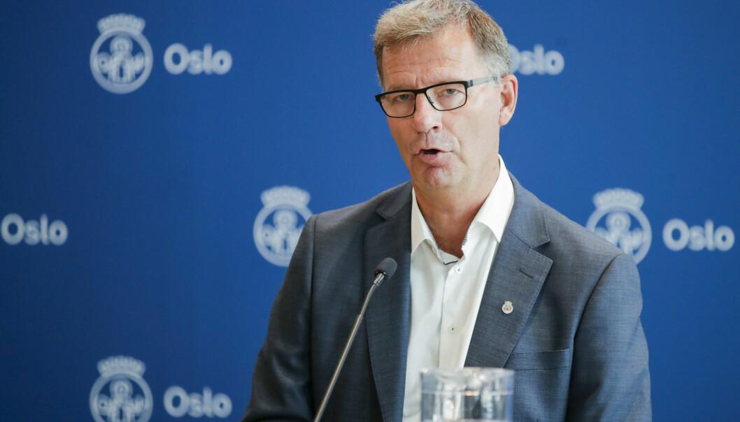 Helsebyråd Robert Steen (Ap) får kritikk for å ikke ha nok testing klar etter at folk kom hjem fra ferie.
