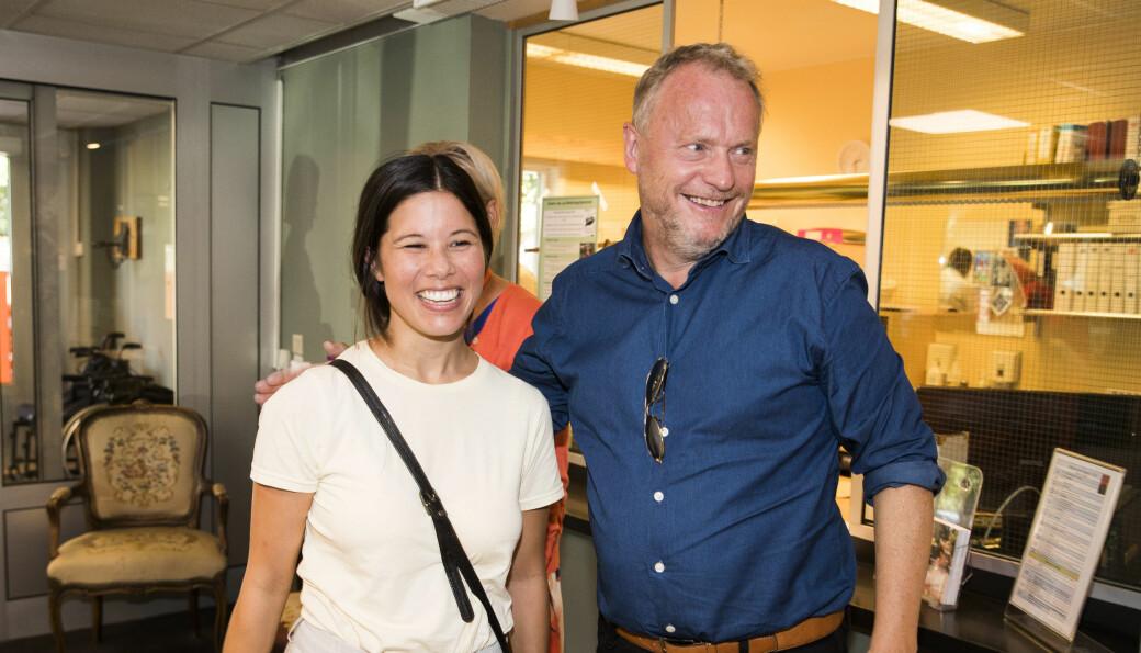 Smil og glede i valgkampen for ett år siden. Lan Marie Berg (MDG) og Raymond Johansen (Ap) besøkte Bekkelagshjemmet og snakket om urbant landbruk.