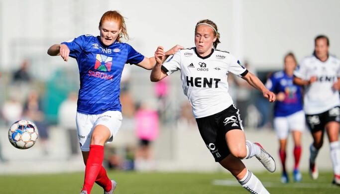 Høyreback Stine Ballisager Pedersen og resten av Vålerenga-forsvaret hadde god kontroll på Rosenberg i første omgang.