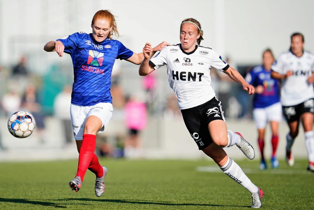 Midtstopper Stine Ballisager Pedersen og to av hennes lagvenninner i Vålerenga er i ti-dagers koronakarantene etter landslagsspill for Danmark. Helgens sereavslutning for kvinnene spilles likevel som planlagt.