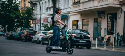 Snart kommer neste generasjon elsparkesykkel. Med utskiftbare batterier, sammenleggbar hjelm og blinklys