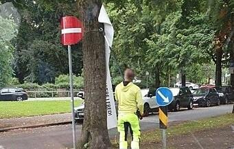 Kommunen tok ned bannere mot sykkelvei i Gyldenløves gate. Aksjonister lover å trosse kommunen. — Skal opp igjen i morgen