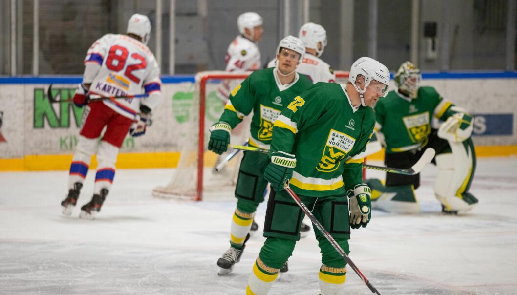 Steffen Thoresen og resten av MS-spillerne var oppgitt midtveis i kampen.