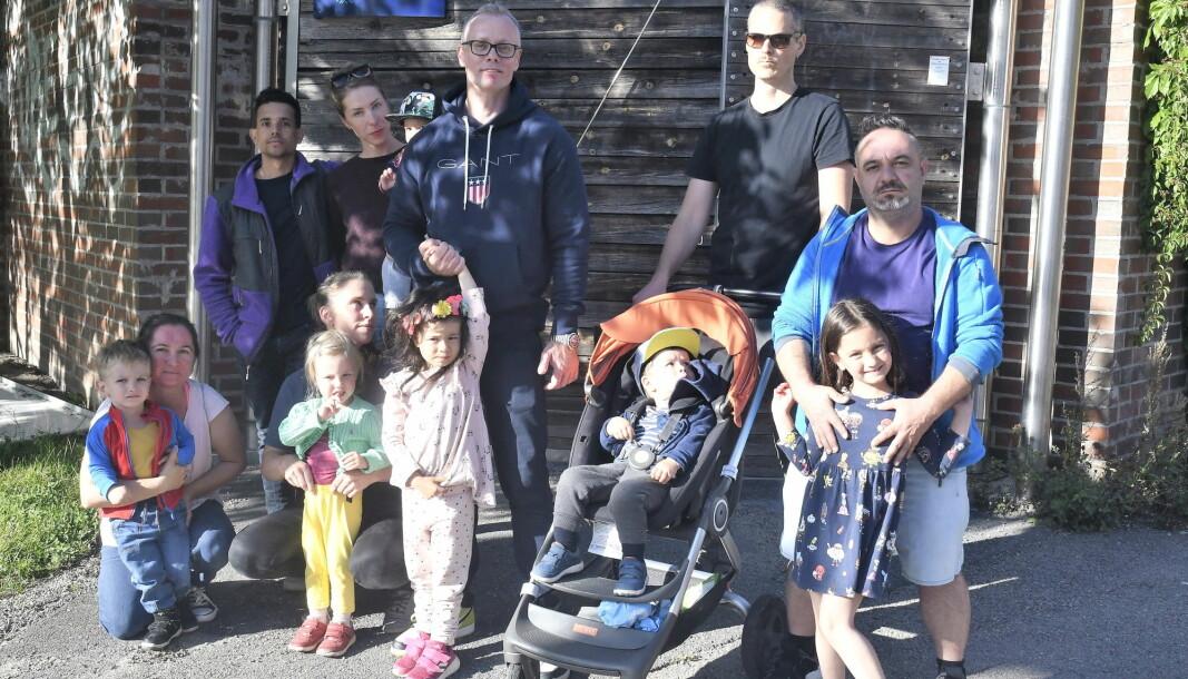 Barn og foreldre ved Heibergløkka barnehagen på Tøyen fortviler over at barnehagen ikke er gjenoppbygget etter brannen i 2019.