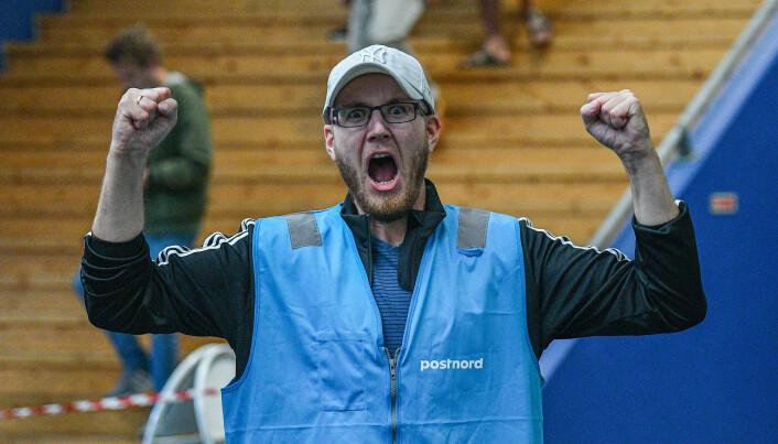 Daglig leder i Skeid Daniel Holmeide Strand tok fram seiersbrølet.