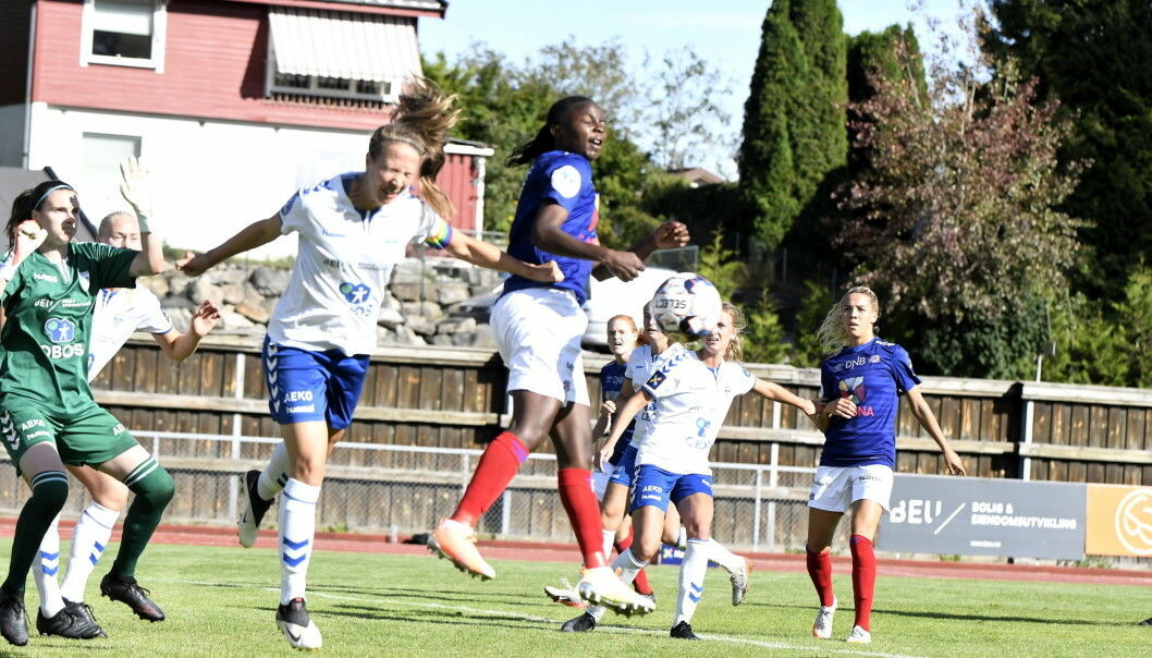 Ajara Njoya og resten av Vålerenga-spillerne slet med å komme til de store sjansene mot Kolbotn søndag.