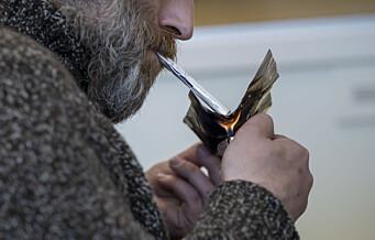 Endelig får Calle (41) røyke heroin hos Prindsen i Storgata. Oslo har fått eget røykerom for heroinbrukere