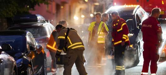 Bil har kjørt inn i bygninger og 20 biler på Frogner – en person lettere skadd