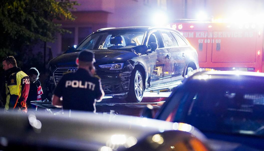 Oslo 20200904.  Politiet i Oslo har rykket ut med flere patruljer etter at en bil har kjørt inn i rundt 20 biler samt flere bygninger på Frogner. En person er skadd.