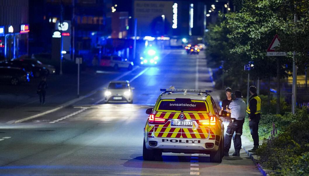 En mann i 20-årene ble funnet knivstikket ved Helsfyr i Oslo fredag kveld. Tilstanden skal være alvorlig, men ikke livstruende.