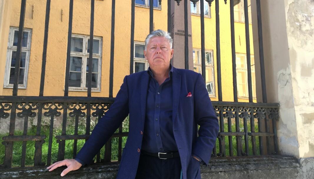 Generalsekretær i Oslo Byes Vel og pådriveren bak stiftelsen Den gamle krigsskole, Ole Rikard Høisæther, vil sørge for at Krigsskolen forblir i riktige hender. Nå arbeider stiftelsen for at Stortinget skal stanse salget.