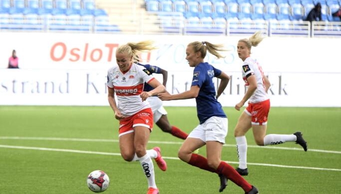 Vålerengas Synne Jensen har endelig funnet målformen. Her er hun på vei igjennom for å sette inn 2-0-målet.