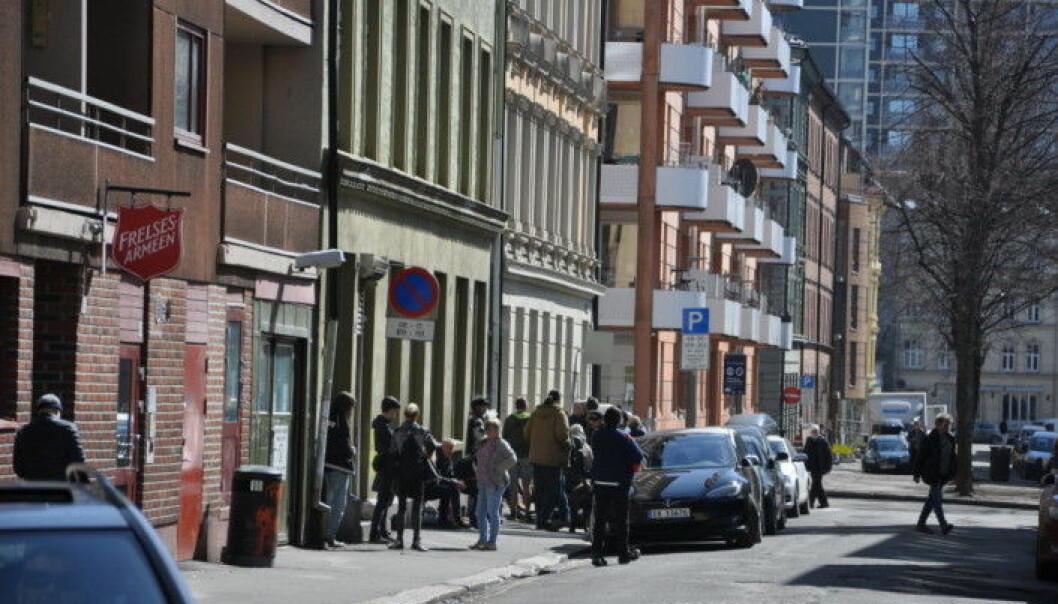 Det åpne rusmiljøet i Urtegata ved Frelsesarmeens tilbud Fyrlyset og Feltpleien har lenge vært plagsomt for nabolaget på Grønland.
