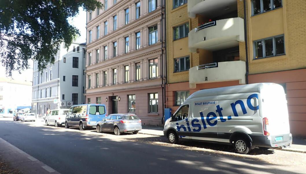 Beboere i Sporveisgata er frustrerte over at beboerparkeringen forsvant