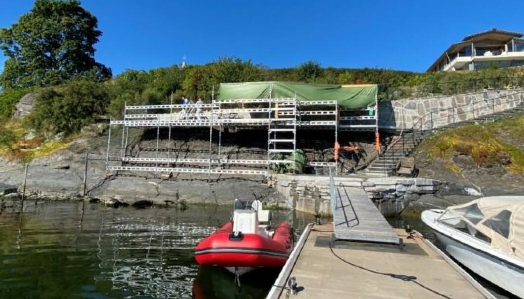 Under en befaring 31. august kunne ikke arbeidere legge frem byggetillatelse for arbeid utført i strandsonen på Øystein Stray Spetalens eiendom på Bygdøynes.