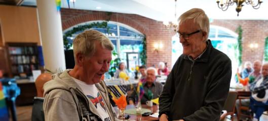 Senior regnbuetreff i nye lokaler på Grünerløkka ble en suksess. - Eldre skeive fortjener sitt frirom, sier leder av Fri Oslo og Viken, Nils Erik Aasen Flatø