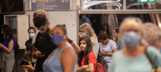 FHI anbefaler fortsatt munnbind i kollektivtrafikken. Mener vi må planlegge for en ny, nasjonal koronabølge