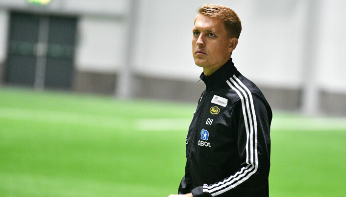 Trener Gard Holme hadde noen fæle minutter i LSK-hallen søndag ettermiddag