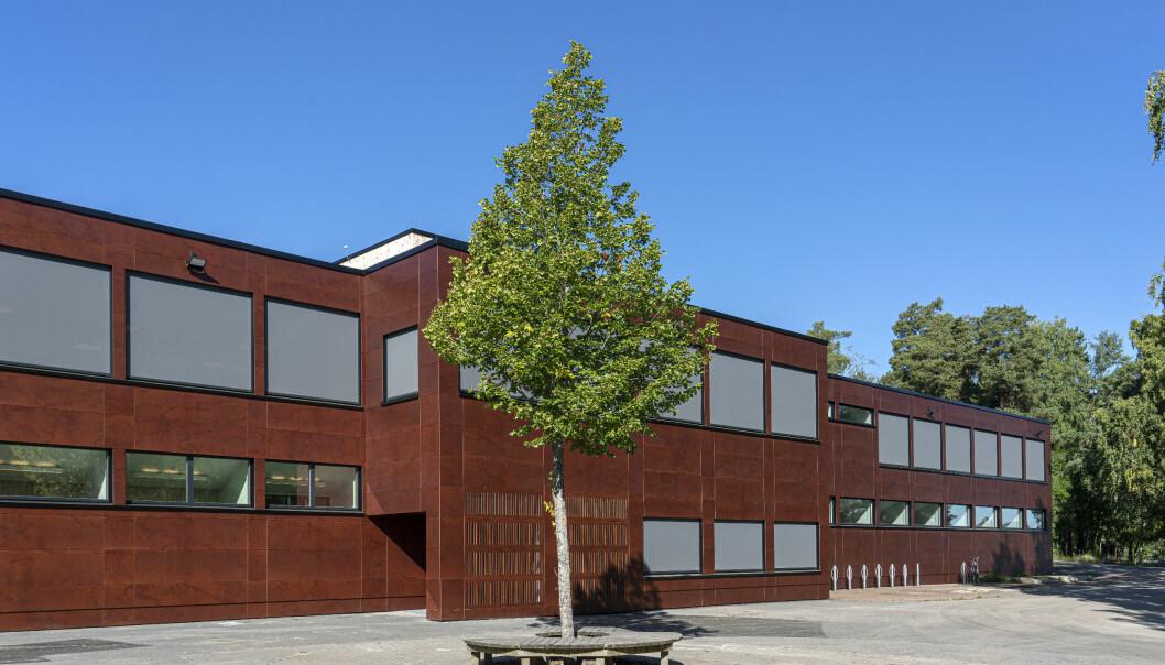 Fasaden på Trasophallen har fått en oppgradering.