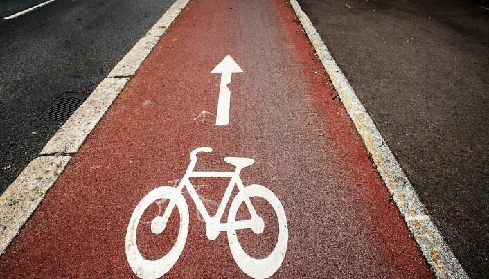 Antallet syklister øker. Det samme gjør sykkelveiene, som dukker opp til forargelse for de som ønsker å beholde fordeler for bilkjøring.