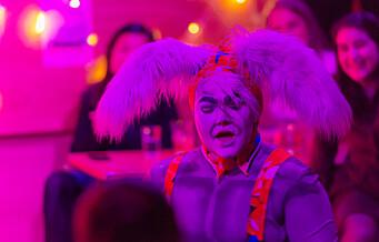 Drag-scenen i Oslo: - Det handler om å løfte frem mennesker utenfor mann/kvinne-båsene i samfunnet, sier Remi (28)